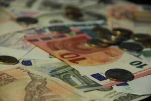 Podvodníci nakupovali přes účty zákazníků Alza.cz, firma poškozeným vrátila peníze