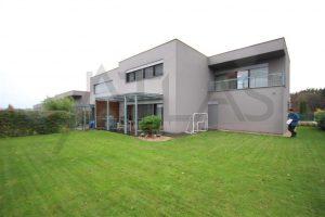 Prodej rodinného domu 5+1 196,9 m2 Praha 4 - Kunratice, lokalita Na Lhotech