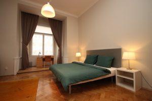 Pronájem zrekonstruovaného bytu 4+1 v historickém domě v centru Prahy, Celetná ul.