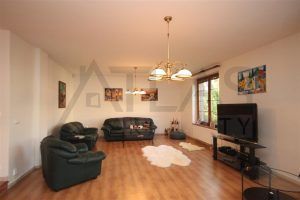 Living room - For Rent: 8-BD Family Villa Prague 6 - Nebusice