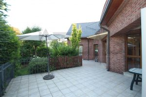 Spacious patio - For Rent: 8-BD Family Villa Prague 6 - Nebusice.