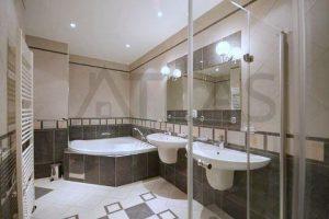 State of the art bathrooms - Nice very spacious 4+kk with terrace, 232 sq.m., Prague 5 Metro Line B Anděl