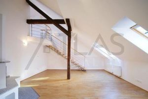 Incredible layout and ceilings - Nice very spacious 4+kk with terrace, 232 sq.m., Prague 5 Metro Line B Anděl