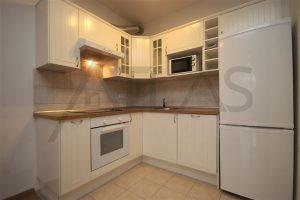 plně vybavená kuchyň - Pronájem bytu 2+1 Praha 6 - Vokovice, ulice K Červenému vrchu