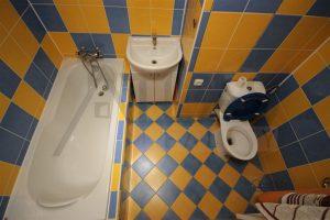 koupelna - Pronájem bytu 2+kk, 40 m2 Mělník, ul. Sportovní