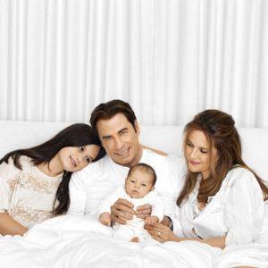 herec John Travolta jeho manželka Kelly Preston a jejich děti Benjamin, Ella Bleu