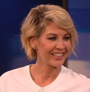Jenna Elfman herečka z Hollywoodu