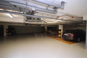parkovací garážové stání Pronájem nového bytu 3+kk, 89 m2, terasa, Praha 5 - Jinonice, Německá škola