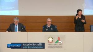 Angelo Borrelli, vedoucí italské Služby civilní ochrany, zdůrazňující rozdíl mezi úmrtím s koronaviry a kvůli nim.