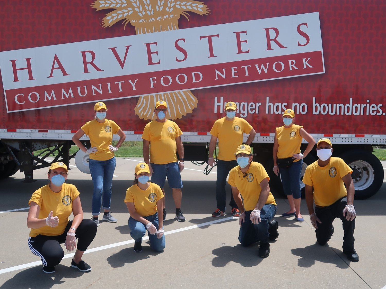 Harvesters Community Food Network, jedna z mnoha komunitních služeb poskytujících jídlo potřebným