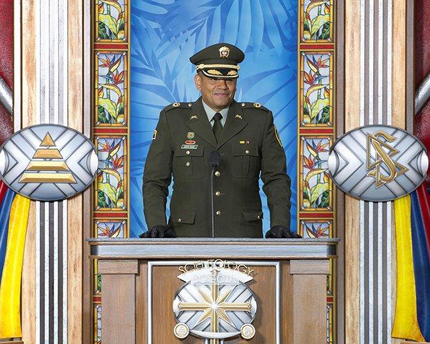 Podplukovník Edgar Rojas, velitel zvláštních operací pro venkovské oblasti, kolumbijské národní policie
