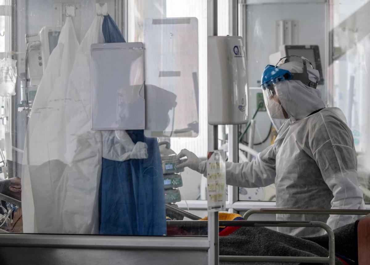 Bogotá má více než 90% obsazenost lůžek na JIP u pacientů s koronaviry