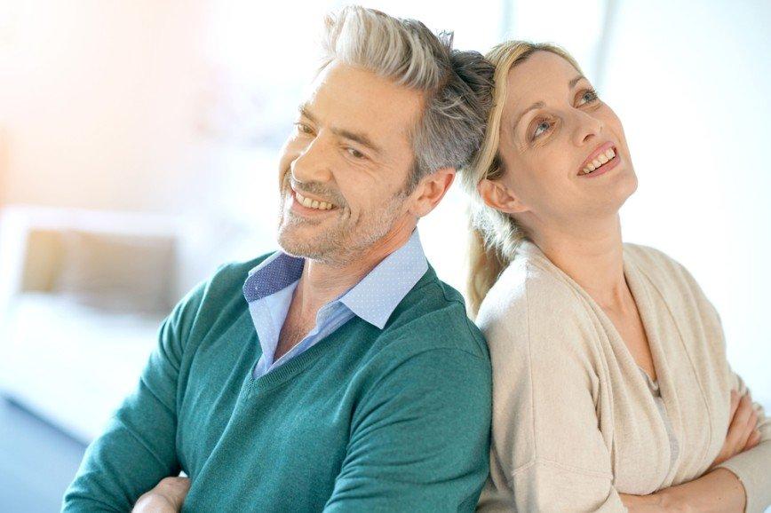 Šťastné vztahy lze budovat v jakémkoli věku, dokonce i se smutnými zážitky.